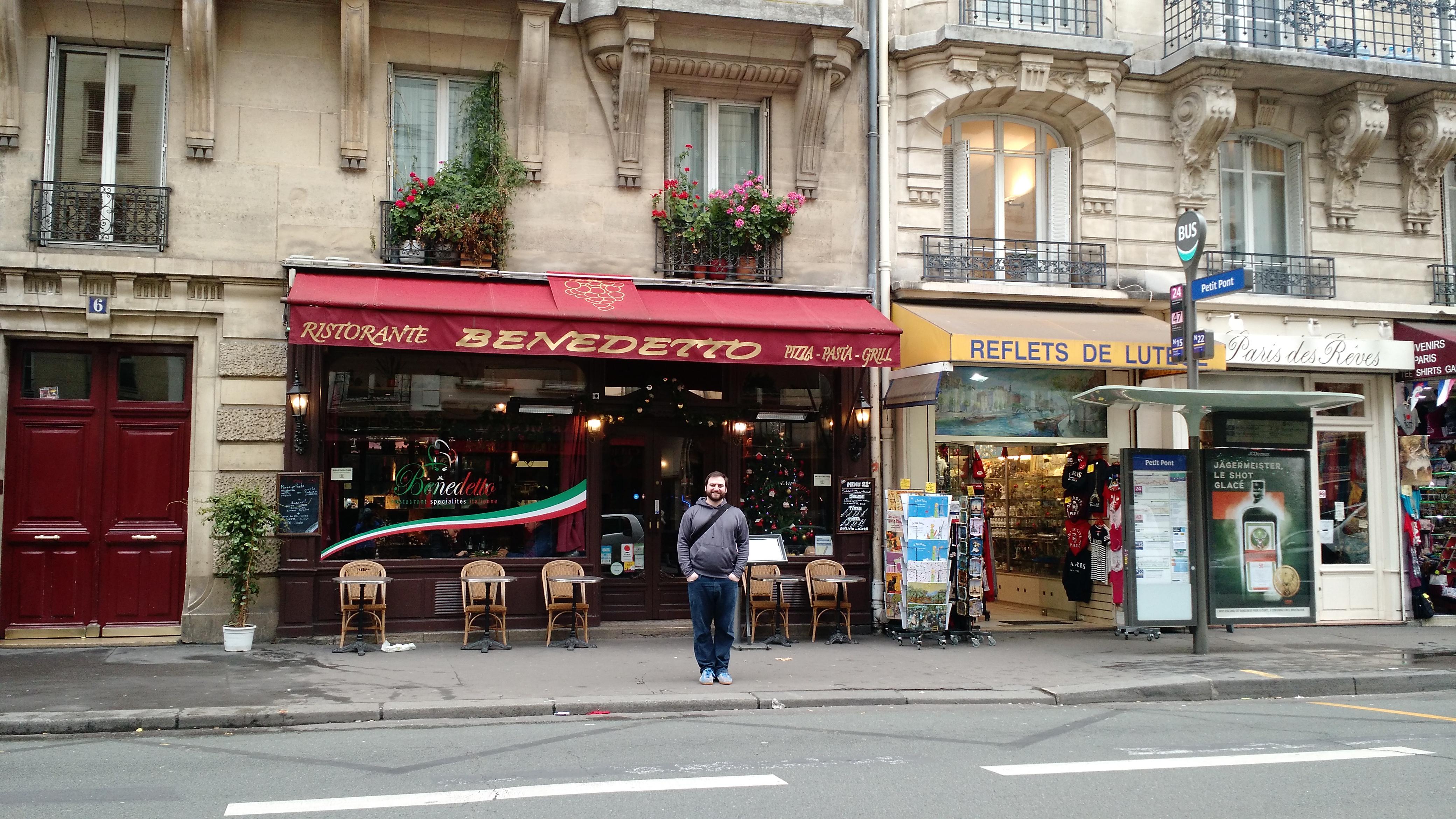 paris outlet center
